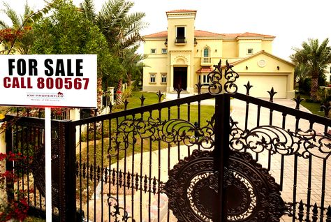 Dubai property prices said to fall up to $6,800 in past year