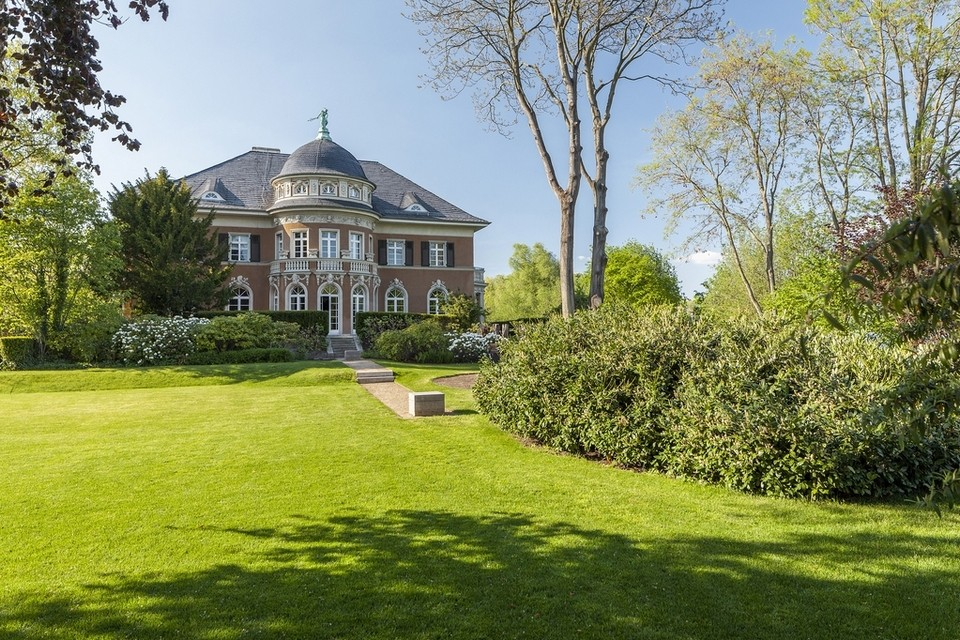Dh114m historic German villa comes with the Berlin Wall in the garden - in pictures